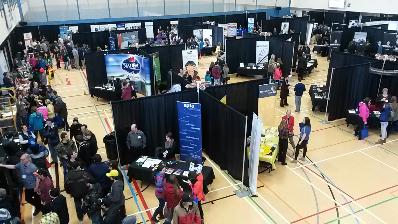 Dup le edmundston un succ s pour le 2e salon de l for Salon entreprenariat